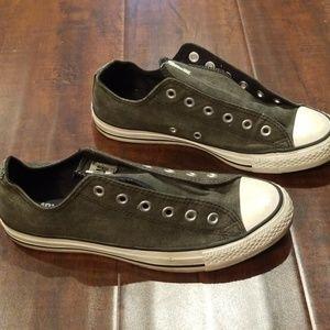 Converse size 9 womans charcoal color shoes